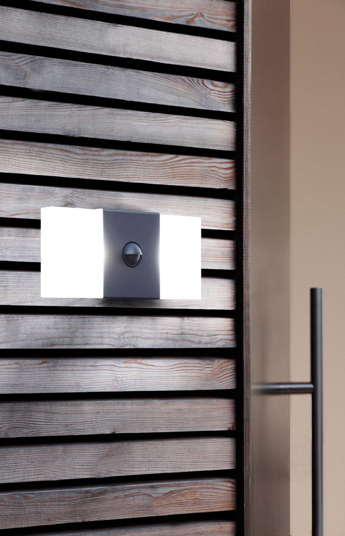led au enleuchten mit bewegungsmelder top 5 angebote. Black Bedroom Furniture Sets. Home Design Ideas