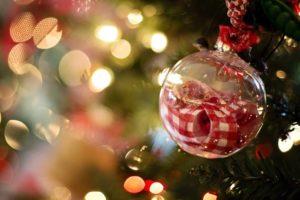 Weihnachtsbeleuchtung und Komposition